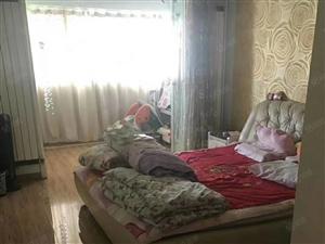 洸河路科苑小区5楼85平三室一厅家具家电空调热水器1200