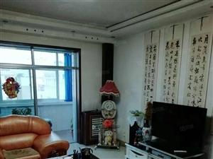 火车站农副公司126平米3室带家具家电月租1550元
