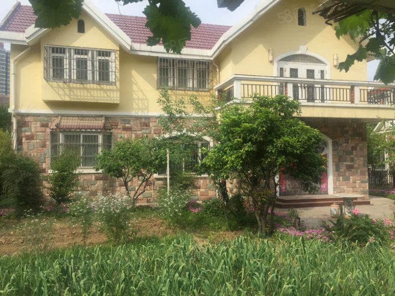 兰亭山水,独栋独院320平方精装修别墅。