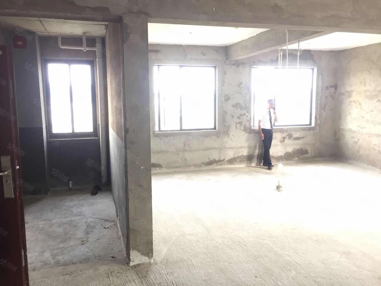 《泰禾红郡》电梯高层,三面采光,低于市场价,看房有钥匙!