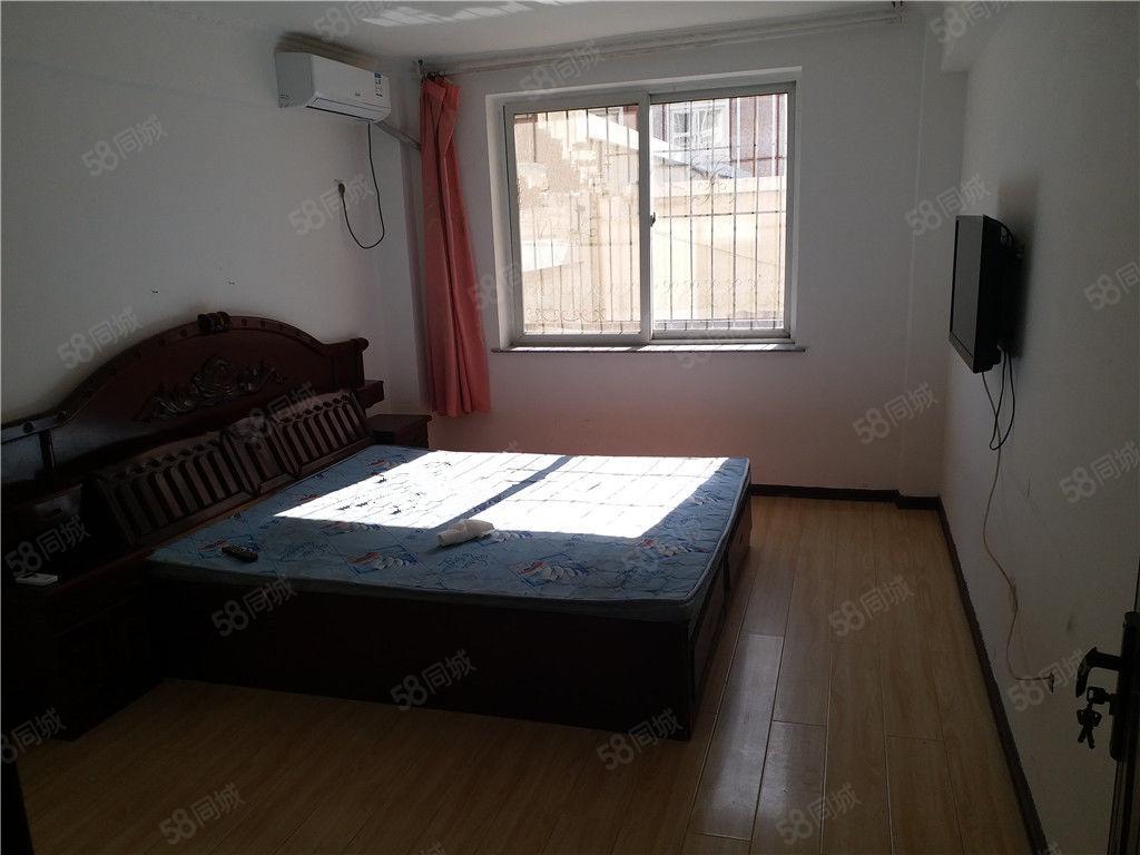 宝地城C区多层2楼家电家具齐全包取暖物业随时入住