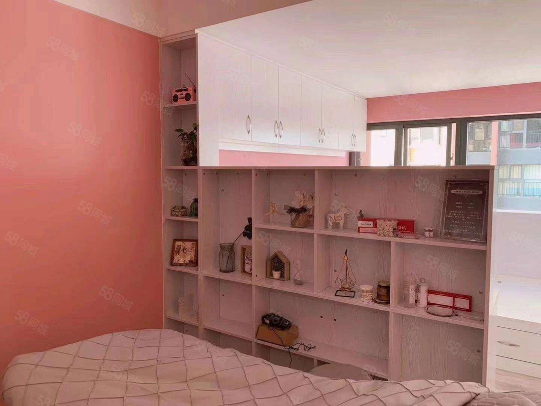 玉溪时代广场三区精装1房粉色系列拎包入住1200/月