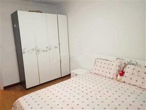泰景山城两室一厅包取暖物业电梯费