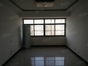 龙溪水岸精品电梯房,楼层好,证件齐全,精装未住