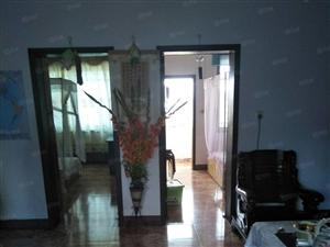 澳门太阳城娱乐城区团结路小学附近二室二厅82M2住房低价出售