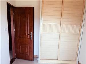 永盛明珠花园小区1房1厅出租,有热水器,有衣柜,可以煮饭