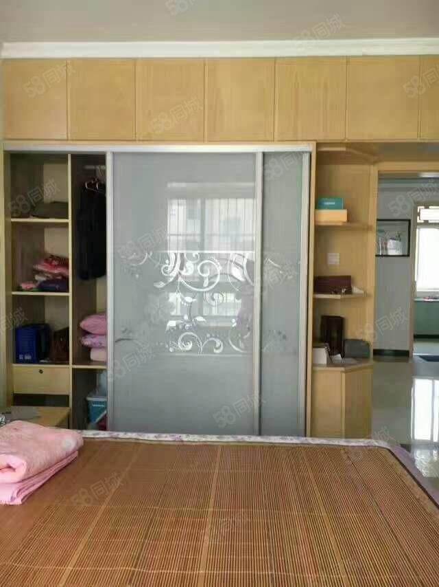 嘉禾御景园三室两厅精装电梯房