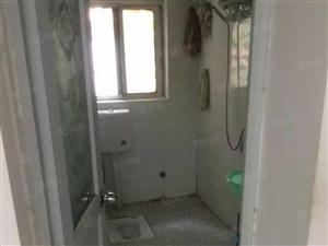 一完小近三室二厅一楼适合养老居住还可做车库家电齐全