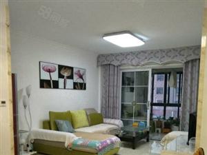 临近南湖公园,观澜郡小区,92平三居室,精装修,拎包入住证满