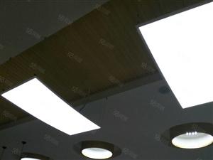 东城水城国际复式楼二百四十平豪华装修带七十六平车库和地下室