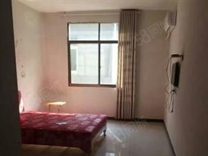 中辉国际3室2厅2卫精张修1600元