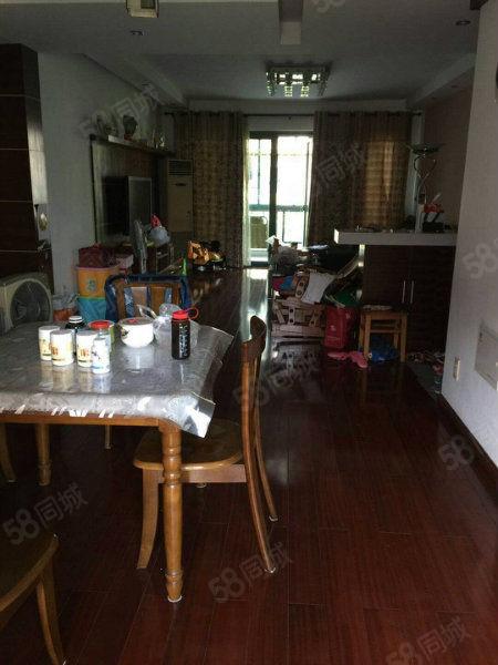 桂花城高档小区、有南北双阳台、带储藏室17平方!