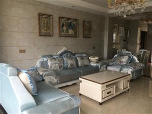 御品滨江对面《上东国际》大气三房,精装修,品牌家具,随时看房