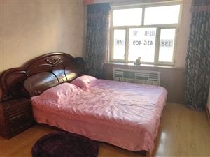 四楼精装一室云飞桥白楼早市附近室内干净立正拎包即住