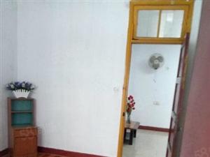 公安宿舍3房步梯4楼价格从优家电齐全有锁匙随时可以看房