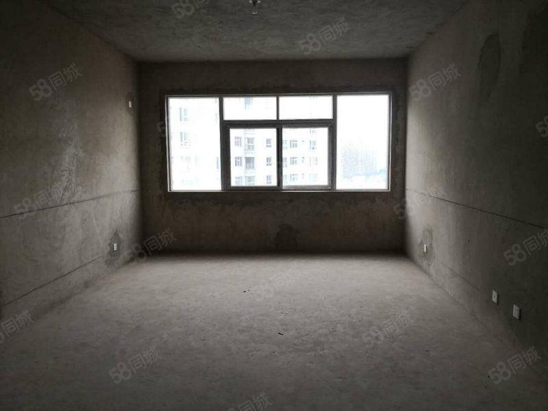 玉溪二小区特价房不满两年税费可以帮忙出一半.