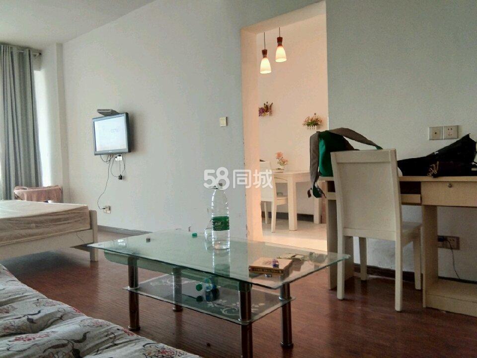 秀江外滩第二小区1室2厅1卫