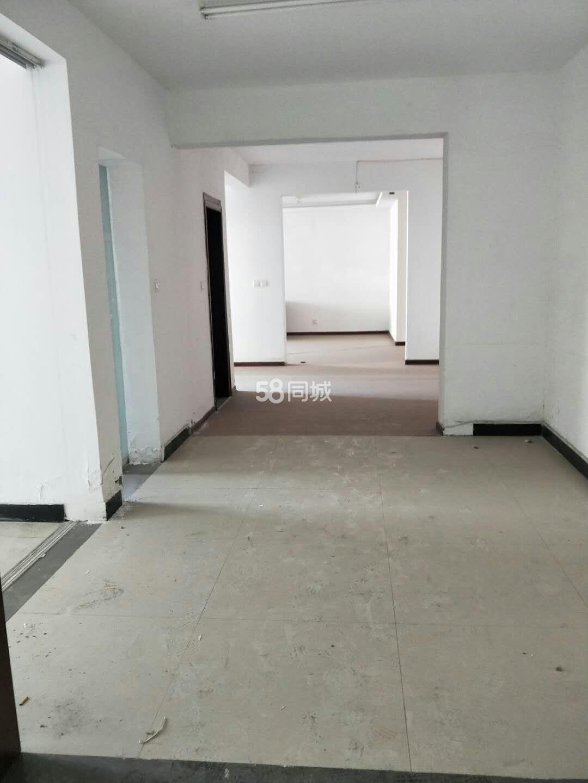 香樟公寓3室2厅2卫