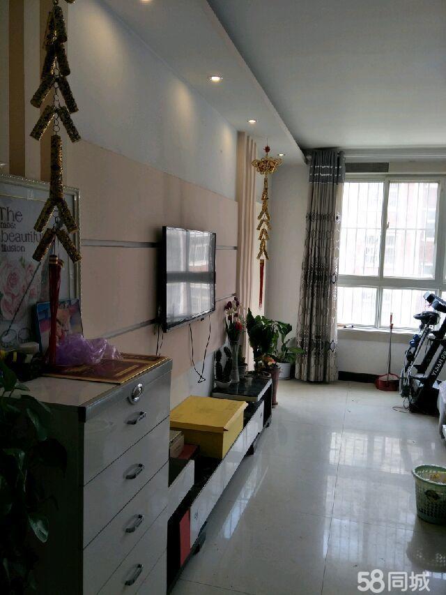 上海嘉园多层2楼精装修3室2厅2卫