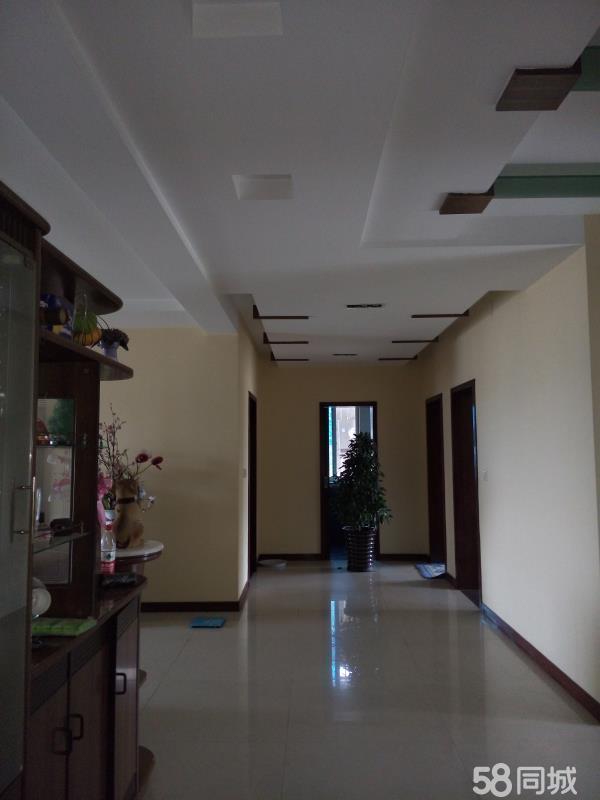 沱江花园南区有7室2厅6卫的住房出售