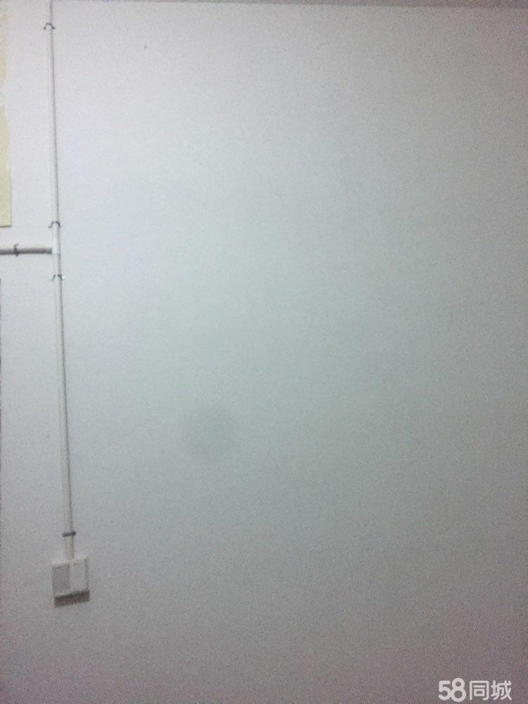 苔湖新�^3室2�d2�l