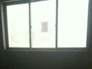 宏锋小区2室2厅1卫
