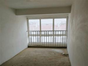 胶北怡福居小区阁楼7.7万一套房子