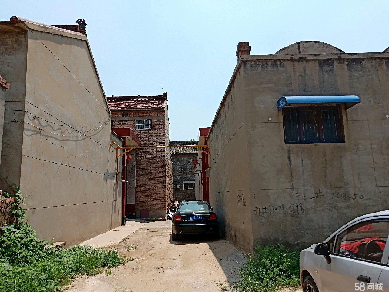 南街小学附近3室2厅1卫