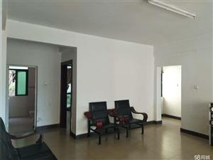 海虹家园4室2厅2卫