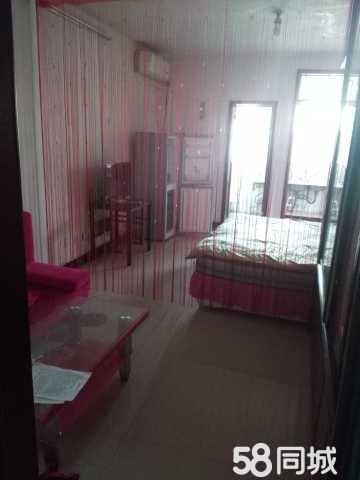 万城·凤凰城1室1卫1厅