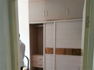 出售兰山小区二楼三室二厅82平方32万证过二年