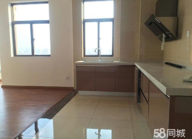 聂耳广场旁玉水金岸2800元4室2厅2卫新装修,带车
