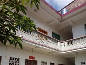 南岗栋房出售6室289m2交通方便,独家小院。