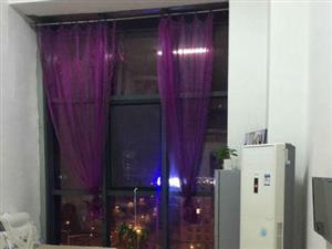亿隆国际1室复试豪华装修包取暖包物业包电梯