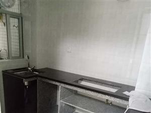 阳东金紫园2室2厅100平米中等装修押二付一