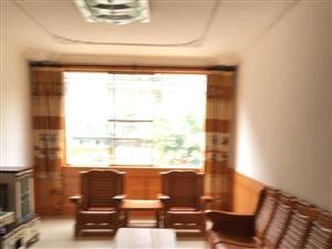 泸县和益花园3室2厅130平米中等装修半年付押一