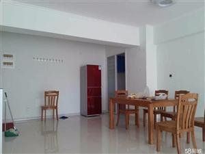 奎屯团结广场赛美高层3室2厅2卫139.14平米