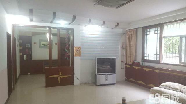 出租公安小区4室2厅150平米中等装修年付