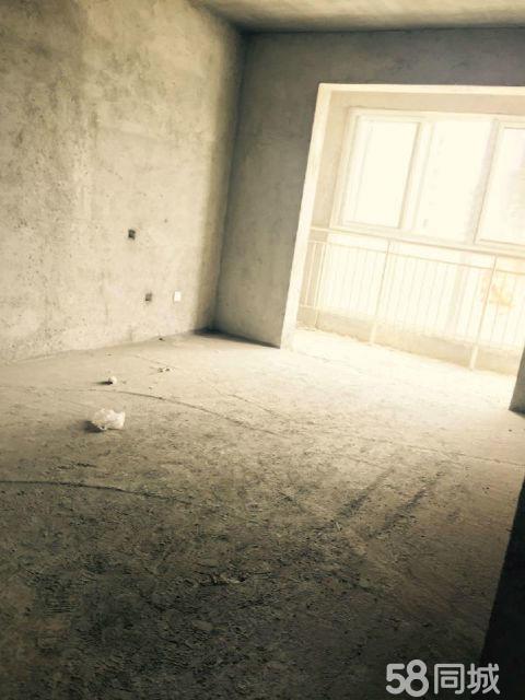首付12万【小区三室、有证、现房】随时装修入住