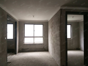 中医院对面《阳光威尼斯》人民路小学本部,毛坯三室,产证齐全