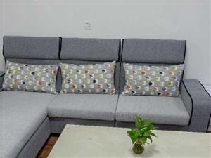锦绣东方单身公寓精装1800元一个月