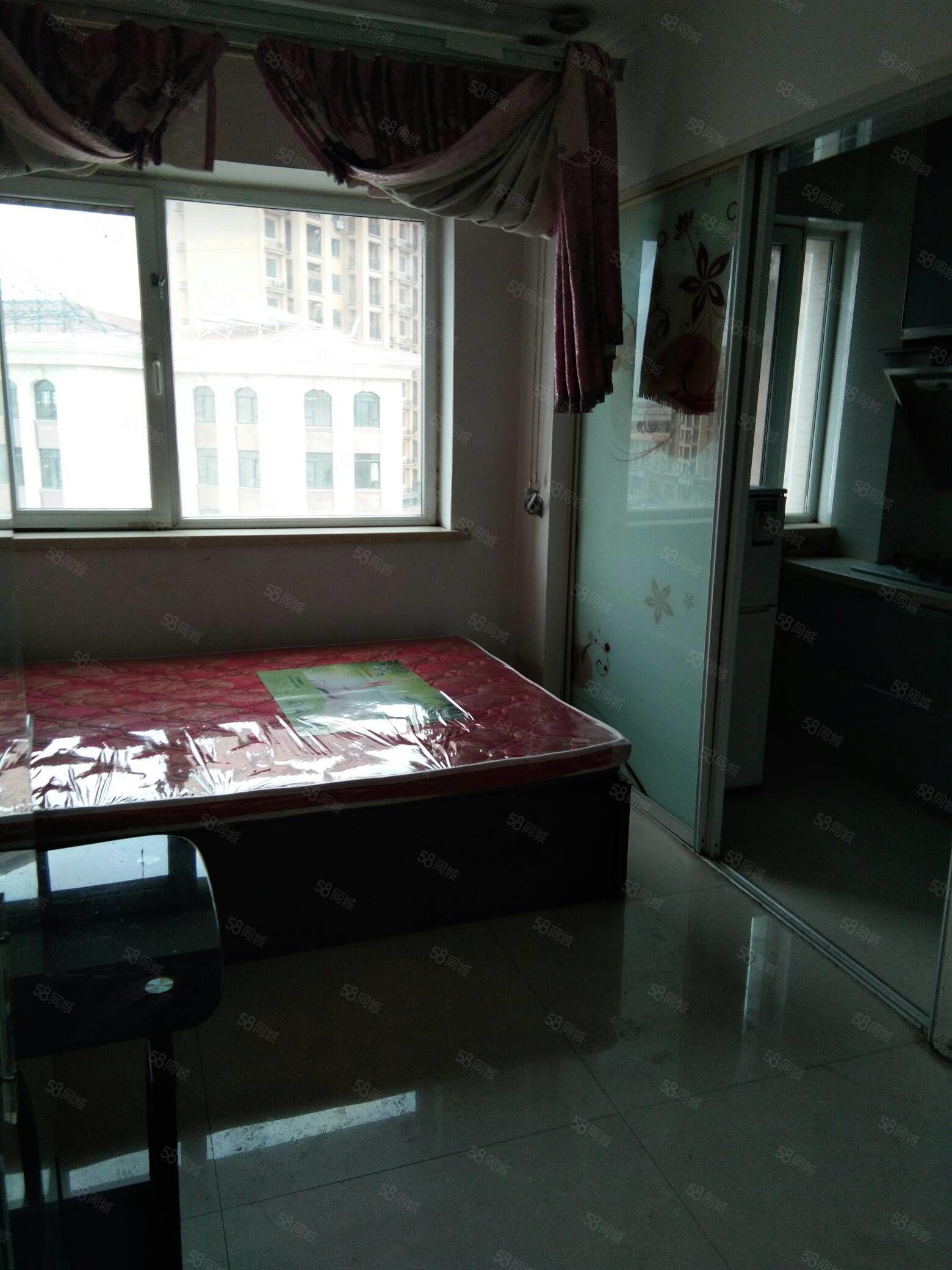 518会馆大润发附近一室家具家电全季付半年付包暖1100元每