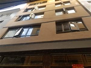 市中心新华巷私房出售