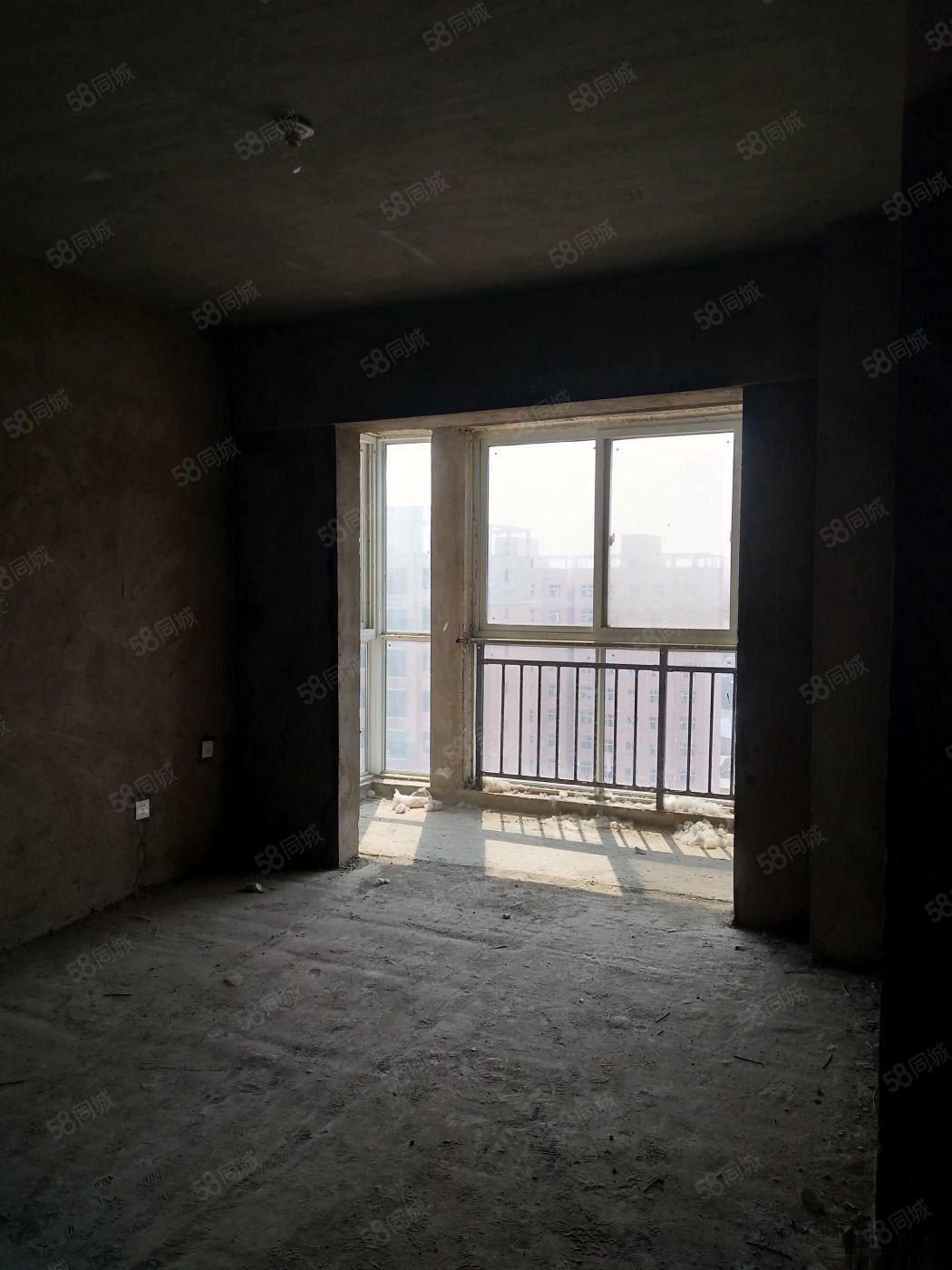 新一高旁复式楼采光无敌产权清晰随时看房。。。