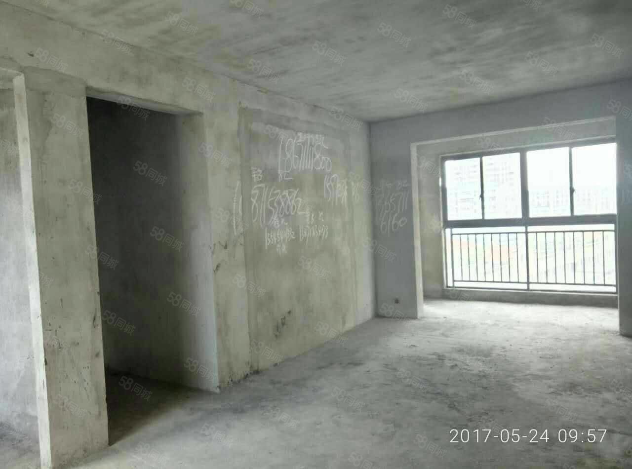洋澜湖一号三期,送10平米,两梯两户,南北通透,高档小区