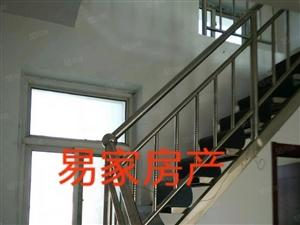 江南新城90平米带阁楼带小院60平米