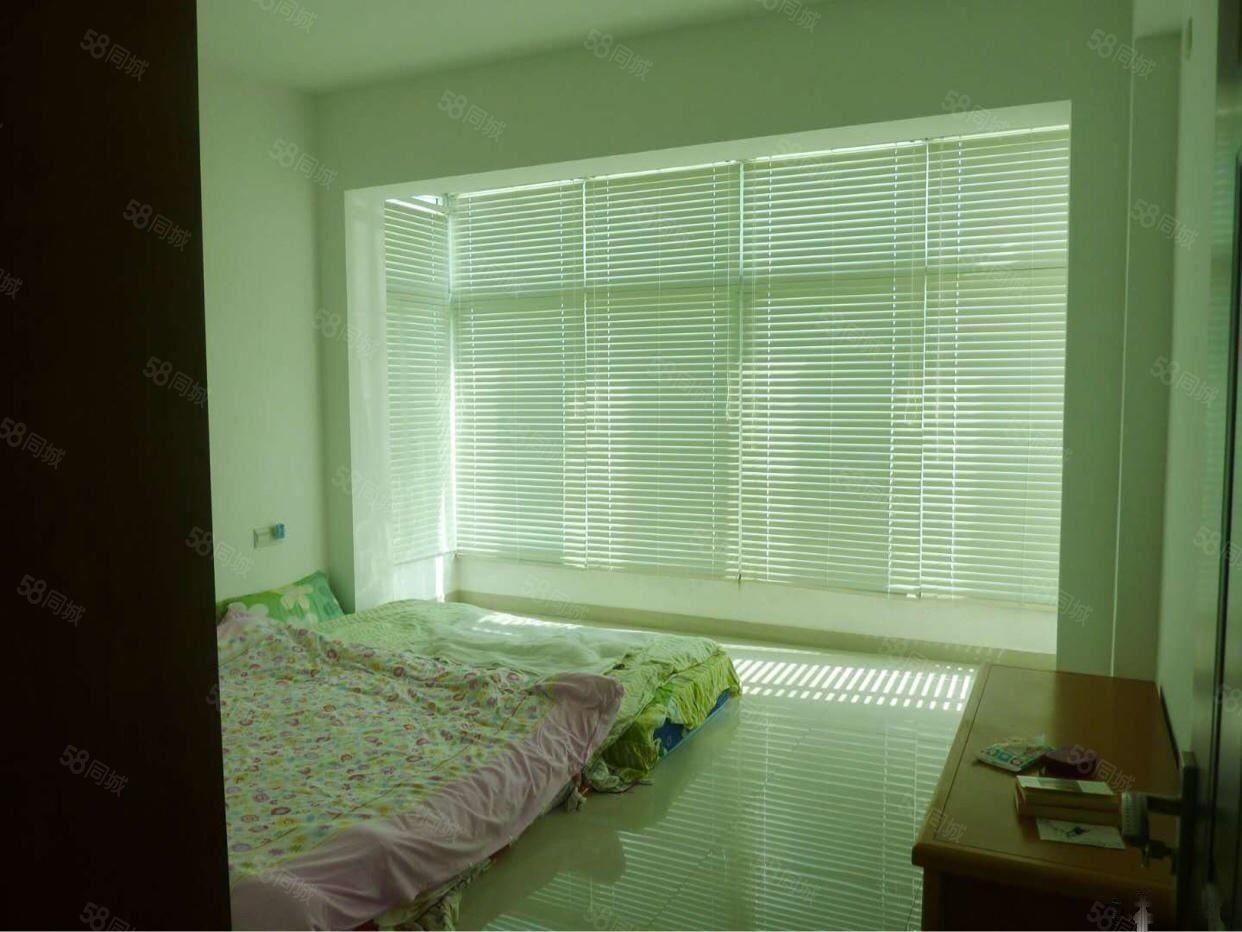 富海花园三房二厅二卫复式,拎包入住出租