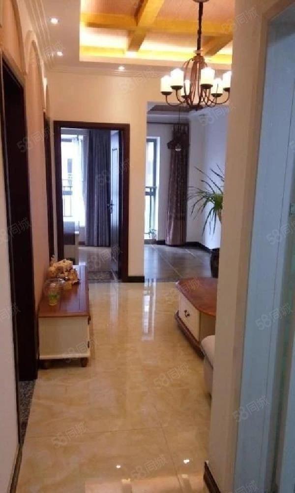 一小对面极中心16楼1700元/月2室带全套家电家具