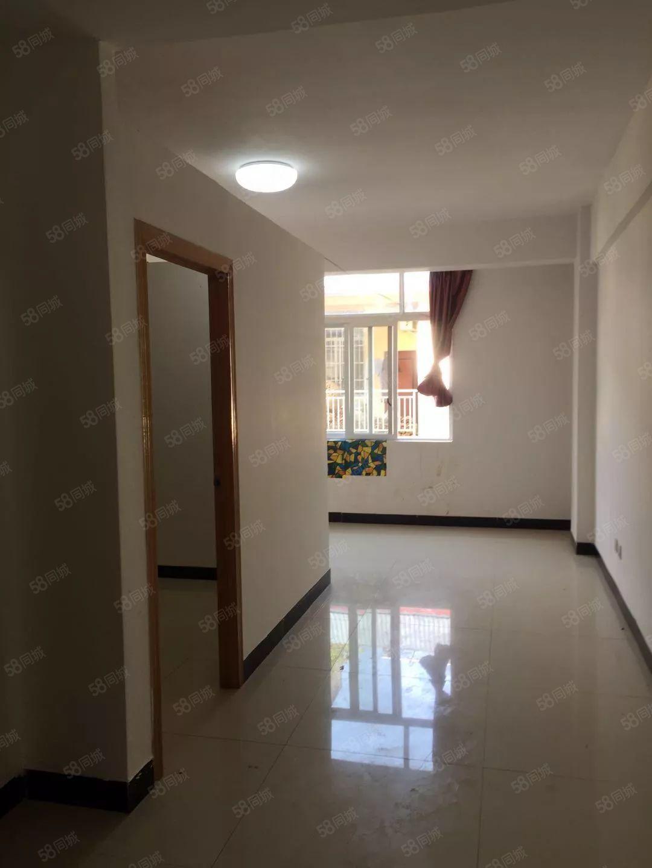 下沙坝恒丰东苑旁1室1厅1卫60平方米半年租付或是年付