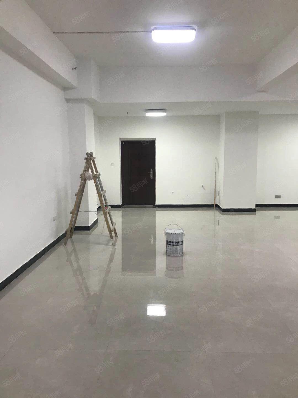 出租:东区市政府对面昌建2间简单装修单层面积120平米